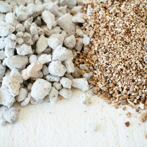 Perlite and Vermiculite - Hydroponic Growing Medium